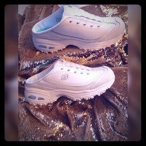 Skechers D'lites air cooled memory foam sneakers